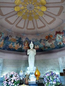 doi-inthanon-Königins-Pagode-Buddha